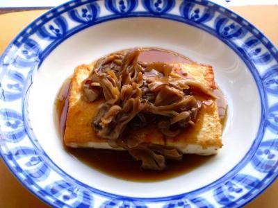 豆腐ステーキ・舞茸ソース