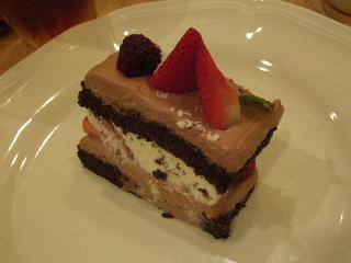 苺のチョコレートケーキ