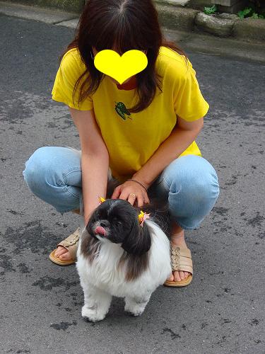 ママとおそろいの黄色のリボンよ!似合う?