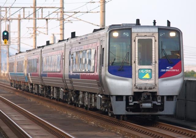 111229-JR-S-DC2000-ishiduchi-5cars.jpg