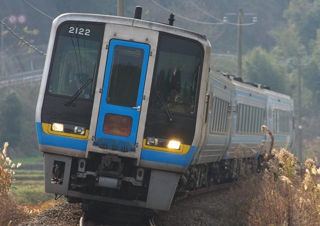 111229-JR-S-DC2000-nanpoo-4cars-1.jpg