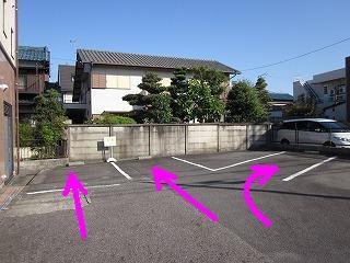 右端に私の車が停まっていることがあります。