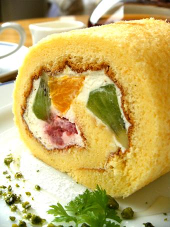 『カフェフレディ』のロールケーキ