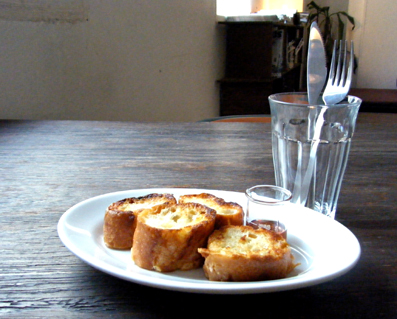 『ニコバル(@+cafe タスカフェ)』のフレンチトースト