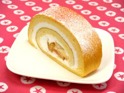 『アテスウェイ』の桃のロールケーキ