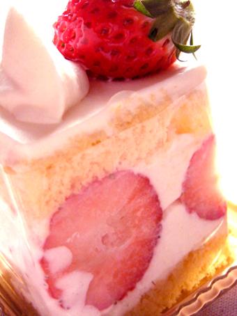 『ル・パティシエ・タカギ』の苺のショートケーキ