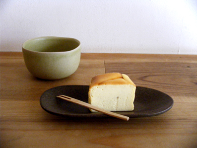 『お茶とお菓子 横尾 (ヨコオ)』のチーズケーキ