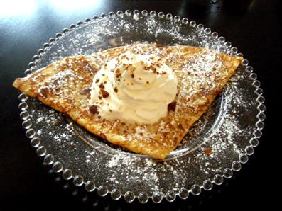 『クレープリー ティ・ロランド』の砂糖と塩バターのクレープ