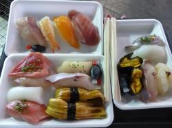 ランチはお寿司。