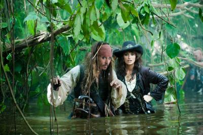 Johnny-Depp-Pirates-of-the-Caribbean-On-Stranger-Tides-movie-image-2[1]