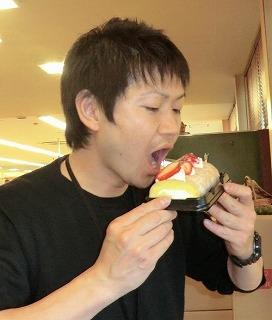満井店長食べる