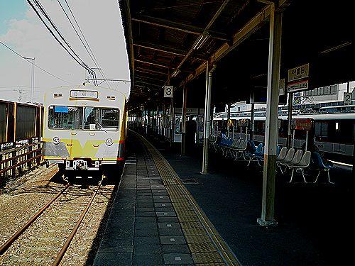 近鉄富田1