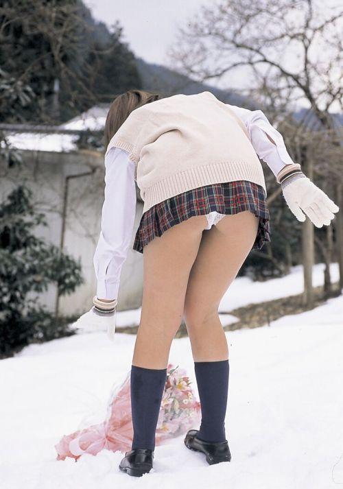 ムッチリ太もも・お尻を突き出す女子高生のエロ画像! 36枚 No.4