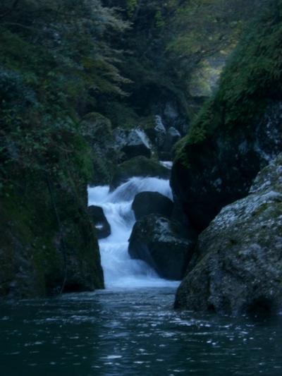 合川 前の川