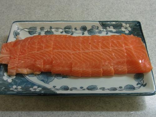 120506-010鮭刺身(S)