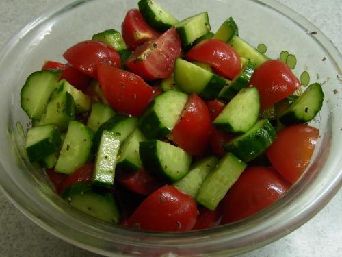 120518-030きゅうりとトマトのサラダ(S)