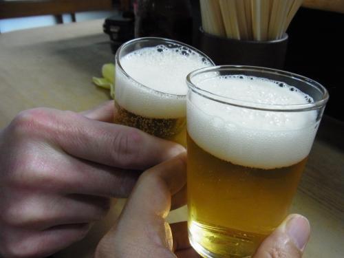 120529-013ビールで乾杯(S)