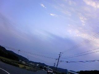 110927_1749_01水色の空とうすむらさきの雲!