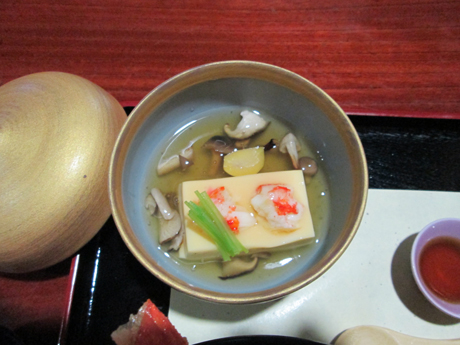 きのこ餡の温豆腐