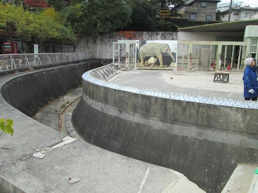 旧ゾウ舎1