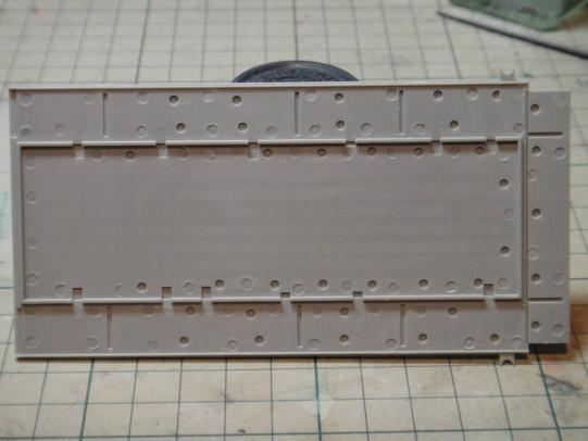 弾薬車床板