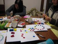 色講座 粘土で色を配合中