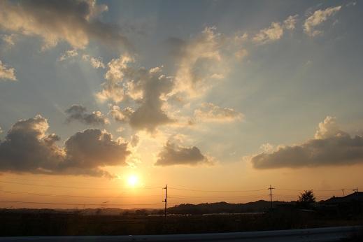 夕日の沈む頃
