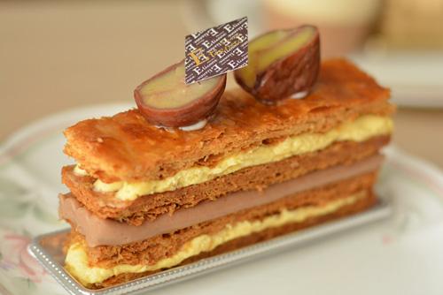 【ケーキ】エチエンヌ「ミルフィーユマロン」 (1)