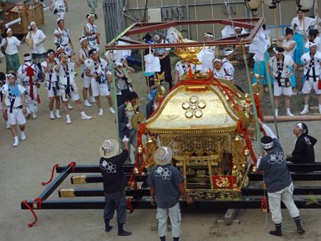 DSC00549クレーン鳳神輿