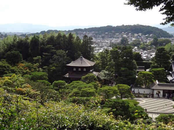 DSC01067山からの銀閣寺