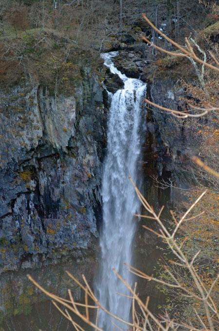 DSC_0361華厳の滝アップ
