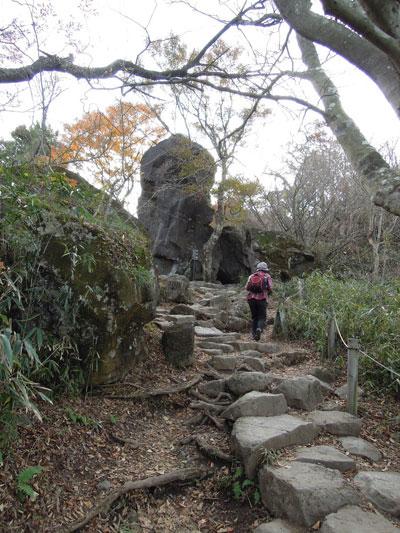 岩道登ります