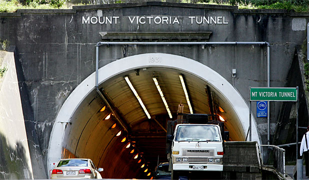 DETOUR ROUTES From 8pm till 6am, Sunday till Thursday,  tunnel traffic will have to  go  through Newtown or around Oriental Bay.