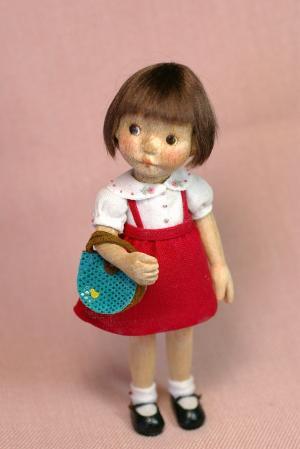 赤いスカートの女の子1