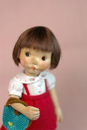 赤いスカートの女の子2