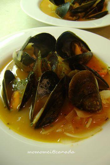 ムール貝とトマトのスープ
