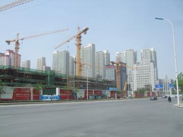 高層マンション建設中