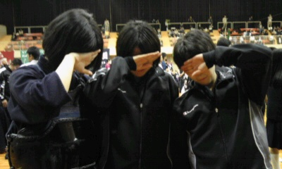 東女子泣き120512_1338~01