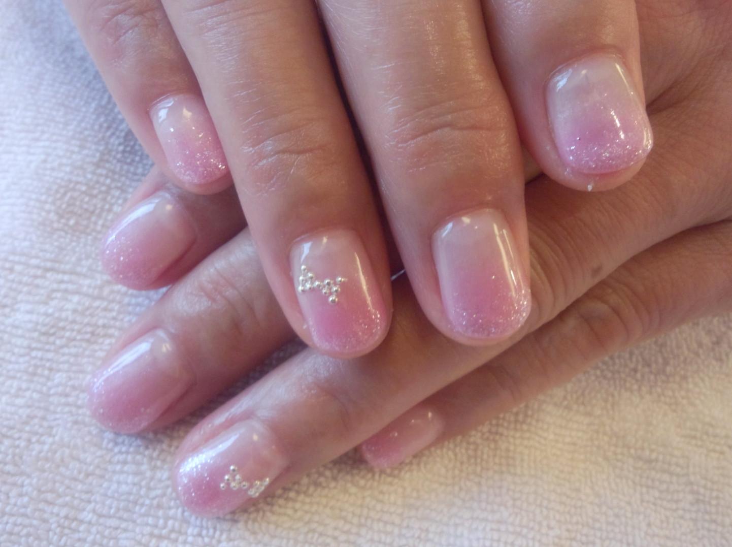 ピンク ネイル ネイル ピンクネイル カラーグラデーション ネイル画像 ネイルデザイン ネイルリボン