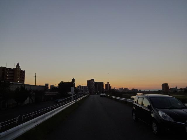 矢田川堤防走