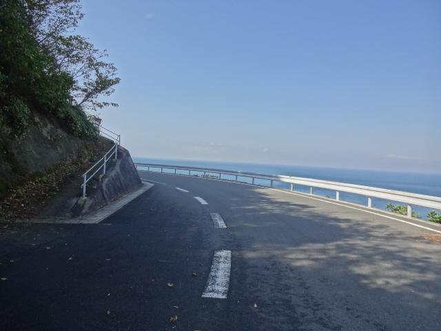 海に抜ける道
