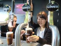 pouringguiness2