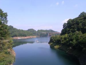 宮ヶ瀬湖 虹の大橋 クリックで拡大