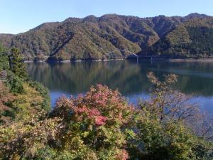 宮ヶ瀬湖 クリックで拡大