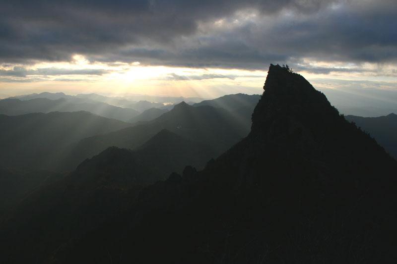 斜光 天狗岳 (愛媛県 西条市 石鎚山)