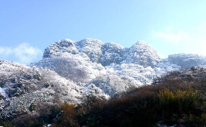 冠雪 五剣山 (香川県 高松市 牟礼町 五剣山)