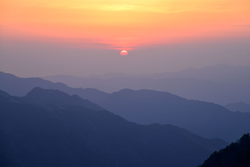 落日の嶺々 (高知県 吾川郡 いの町)