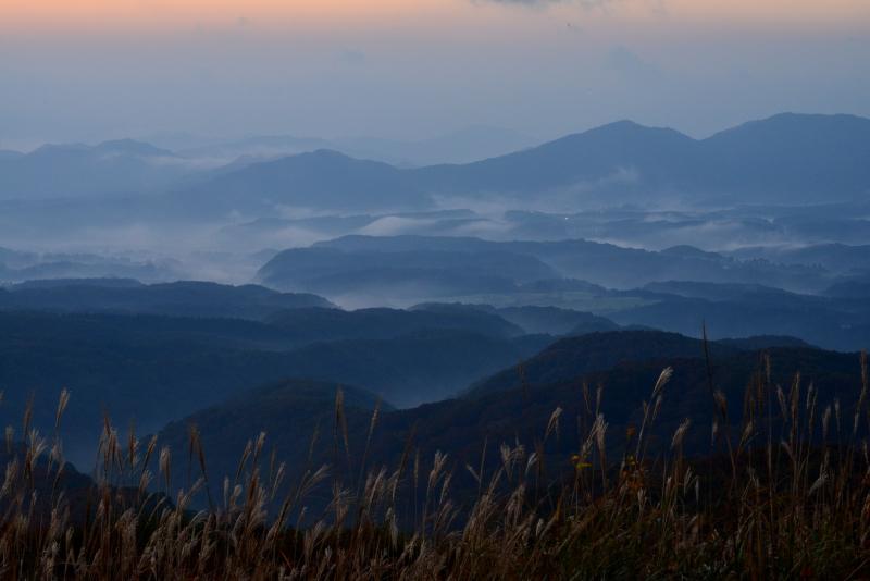 蒜山高原の夜明け (岡山県 蒜山)