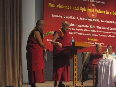 hh-dalailama11b.jpg