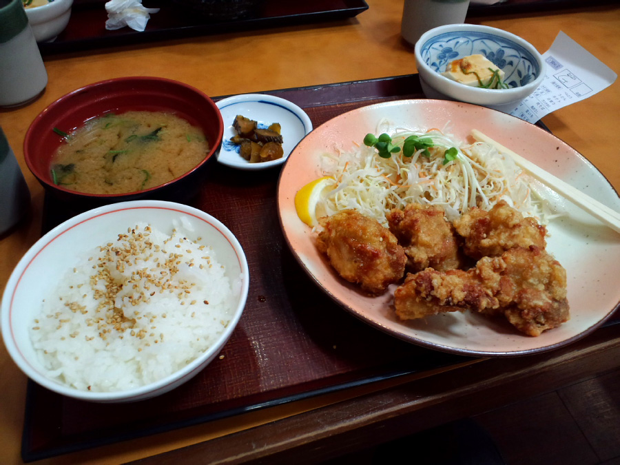 (^-^)v若鶏唐揚げ定食@街かど屋(by au CASIO CA003)